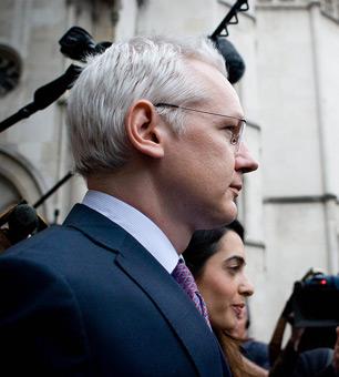 Ecuador Grants Asylum to Assange, Defying Britain