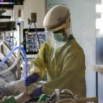 US coronavirus death toll passes 400,000 amid grim forecast over winter