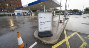 Brexit UK: Petrol shortage: customers still panic-buying, says fuel retail boss