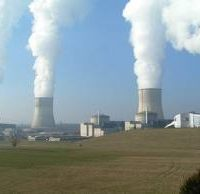 As Nuclear Reactors Age, Funds to Close Them Lag