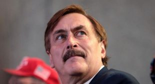 'They're gonna kill me': MyPillow CEO Mike Lindell launches into a paranoid rant about the government