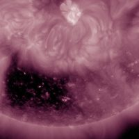 Huge square-shaped coronal hole spotted on Sun (VIDEO)