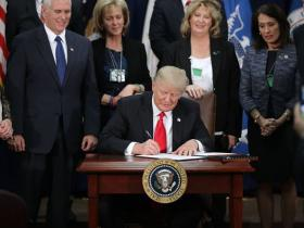 Donald Trump signs executive order giving police more authority